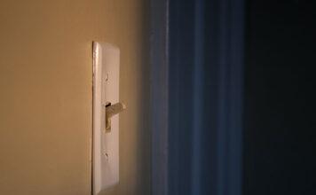 Szklane włączniki światła